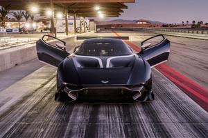 Vulcan Aston Martin 8k