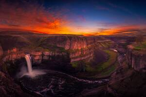 Waterfall at Sunset Wallpaper