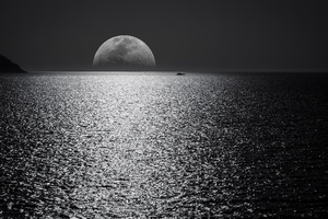 White Black Moon Evening Night Time Seascape 5k Wallpaper