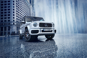 White Mercedes G Wagon Wallpaper