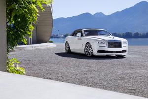 White Rolls Royce Dawn