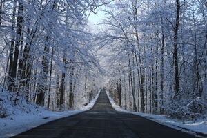 Winter Road Way 5k Wallpaper