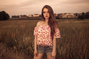 Women Brunette Standing In Field 4k Wallpaper