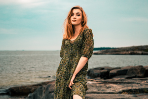 Women In Green Dress 4k Wallpaper