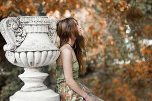 Women Outdoors Brunette