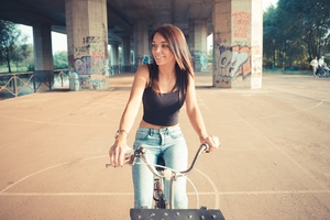 Women With Bicycle Smiling 4k Wallpaper