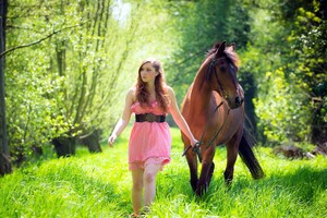 Women With Horse Wallpaper