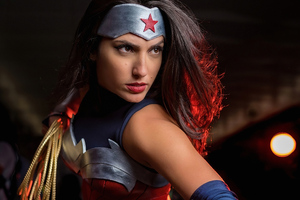 Wonderwoman Cosplay 4k Wallpaper
