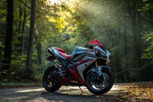 Yamaha R1 5k