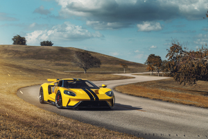Yellow Ford GT 1 8k
