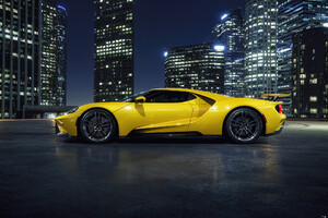 Yellow Ford Gt