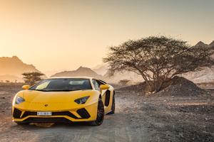 Yellow Lamborghini Aventador 5k