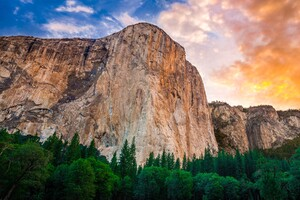 Yosemite Mountains Wallpaper