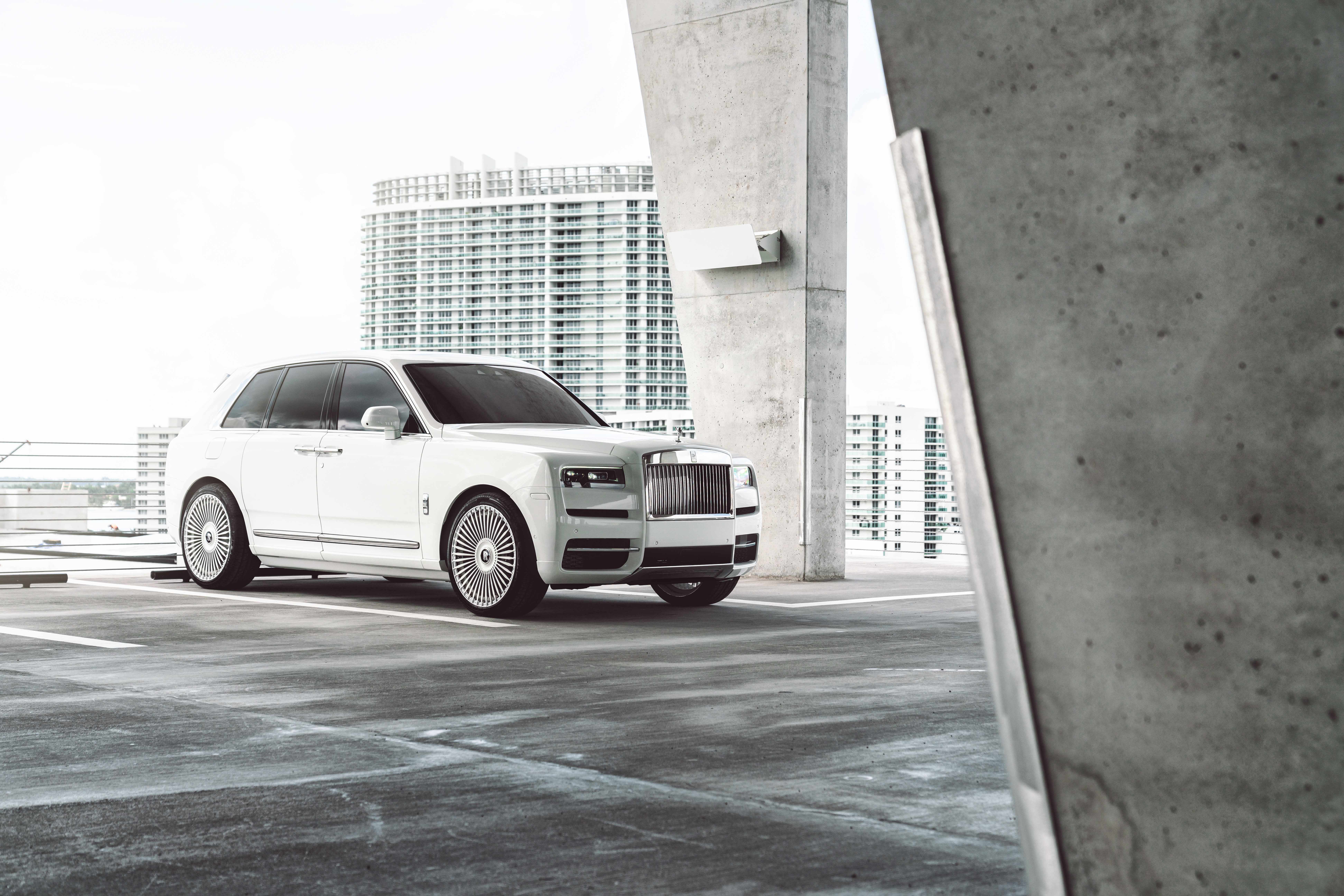 White Rolls Royce Cullinan 8k 2020 Hd Cars 4k Wallpapers Images Backgrounds Photos And Pictures