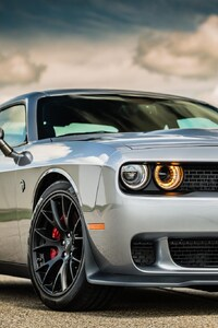 320x568 2016 Dodge Challenger Hellcat