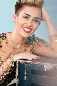 2160x3840 2016 Miley Cyrus