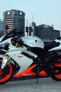 750x1334 2016 Yamaha R1