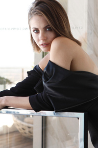 2017 Willa Holland