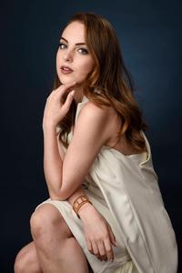 2018 Elizabeth Gillies Actress