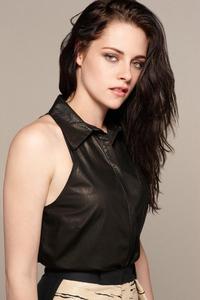 320x568 2019 Kristen Stewart