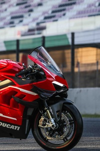 240x320 2020 Ducati Superleggera V4