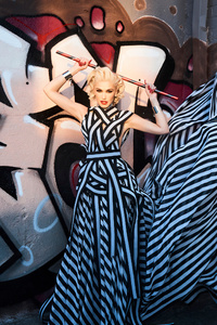 720x1280 2021 Gwen Stefani Wonderland Magazine Spring
