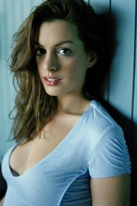 4k Anne Hathaway