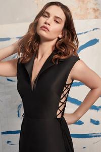 1080x2160 4k Lily James Harpers Bazaar 2020