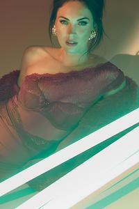 640x960 4k Megan Fox2020