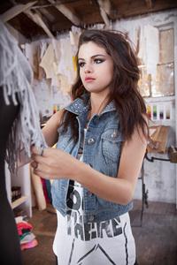 640x1136 4k Selena Gomez Cute