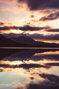 640x1136 5k Lake Reflection