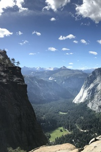 320x568 8k Yosemite Valley