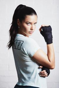 Adriana Lima Puma 4k