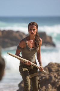 1280x2120 Alicia Vikander As Lara Croft In Tomb Raider Movie