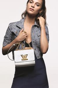 1125x2436 Alicia Vikander Louis Vuitton Campaign
