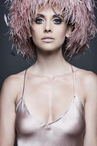 480x854 Alison Brie Modern Luxury Photoshoot