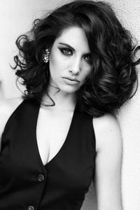 Alison Brie Monochrome
