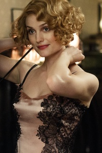 1242x2688 Alison Sudol As Queenie Goldstein In Fantastic Beasts 5k