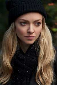 320x480 Amanda Seyfried You Should Have Left 2020