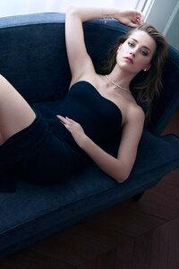 320x568 Amber Heard 8k