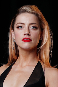 Amber Heard In Black Dress