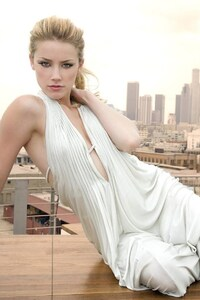 Amber Heard In White Dress