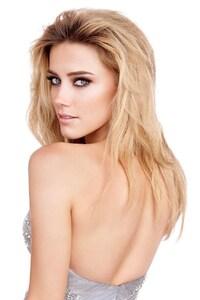 320x568 Amber Heard