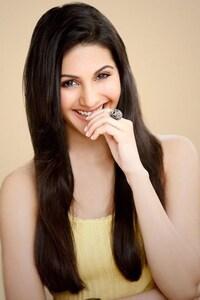 Amyra Dastur Cute