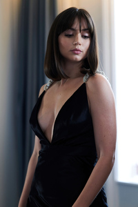 480x854 Ana De Armas Bond Premiere Photoshoot 4k