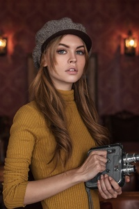 480x800 Anastasiya Scheglova With Camera 4k