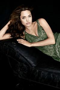 750x1334 Angelina Jolie 4k2019