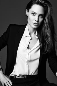 Angelina Jolie Elle 2018