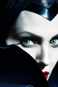 750x1334 Angelina Jolie In Maleficent