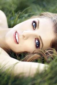 Anna Kendrick Blue Eyes